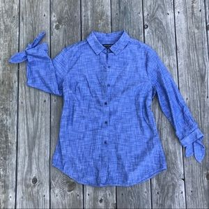 Banana republic classic fit top with bow details